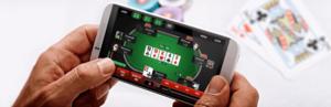 Main Judi Poker Pada Aplikasi Handphone